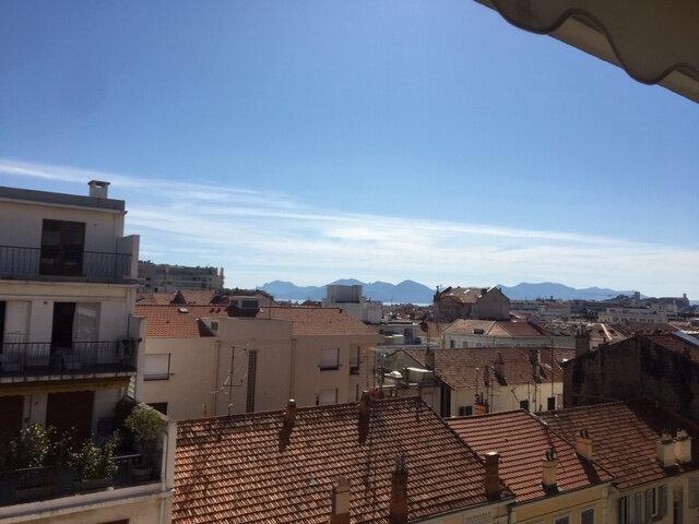 Appartement à louer 1 32m2 à Cannes vignette-1