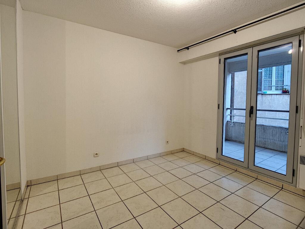 Appartement à louer 4 80m2 à Cannes vignette-5