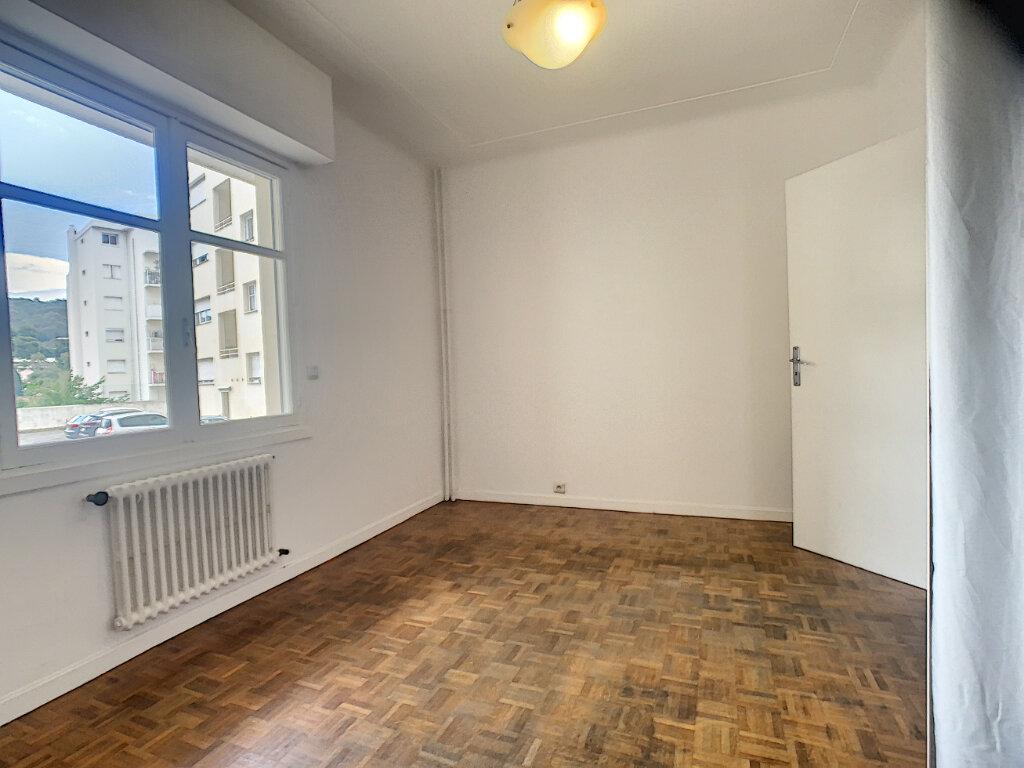 Appartement à louer 1 27m2 à Le Cannet vignette-2