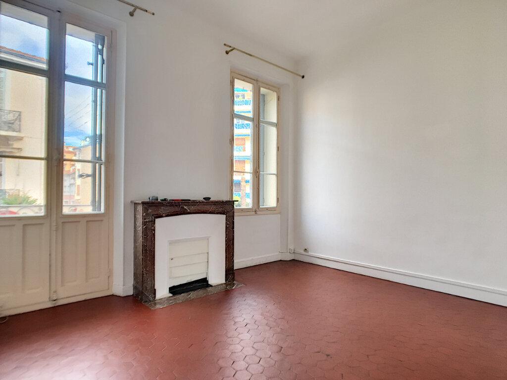 Appartement à louer 3 61.05m2 à Cannes vignette-2
