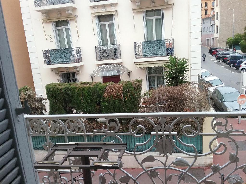 Appartement à louer 3 61.05m2 à Cannes vignette-7