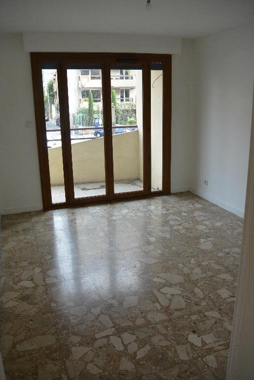 Appartement à louer 2 49.54m2 à Le Cannet vignette-4