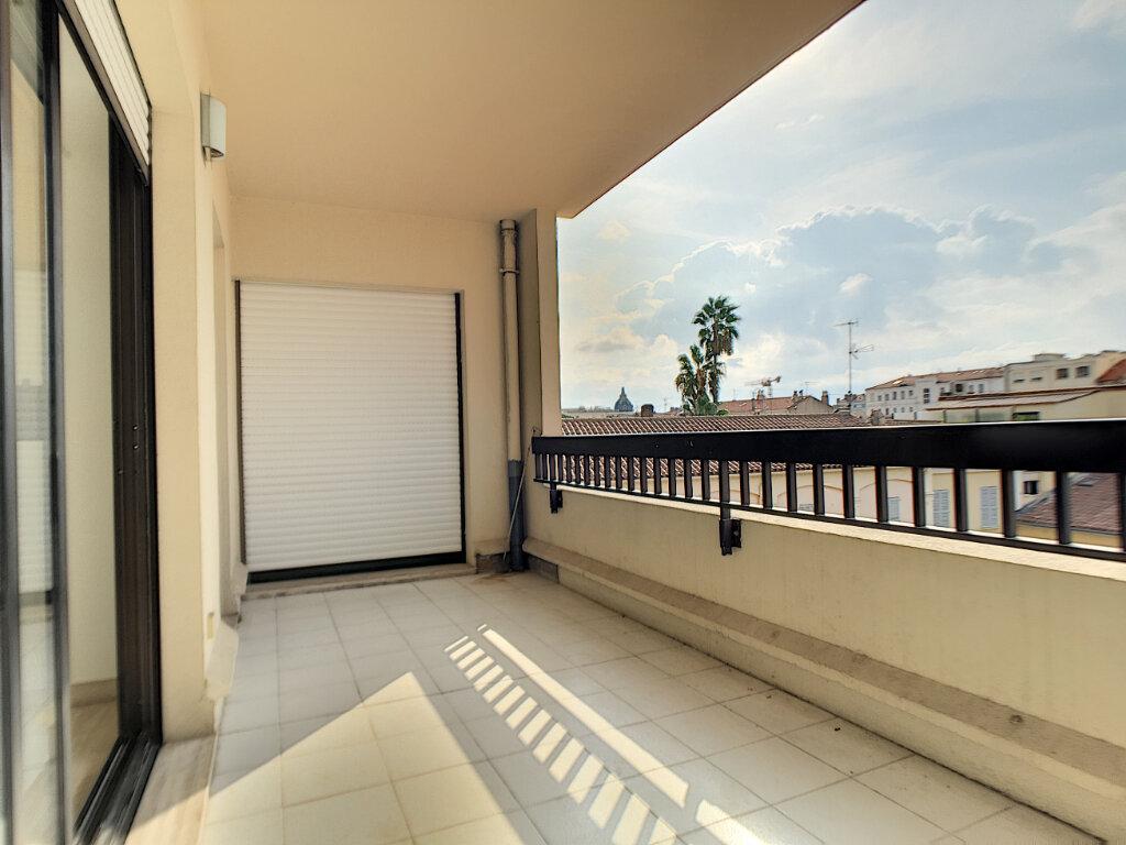 Appartement à louer 2 48.53m2 à Cannes vignette-2