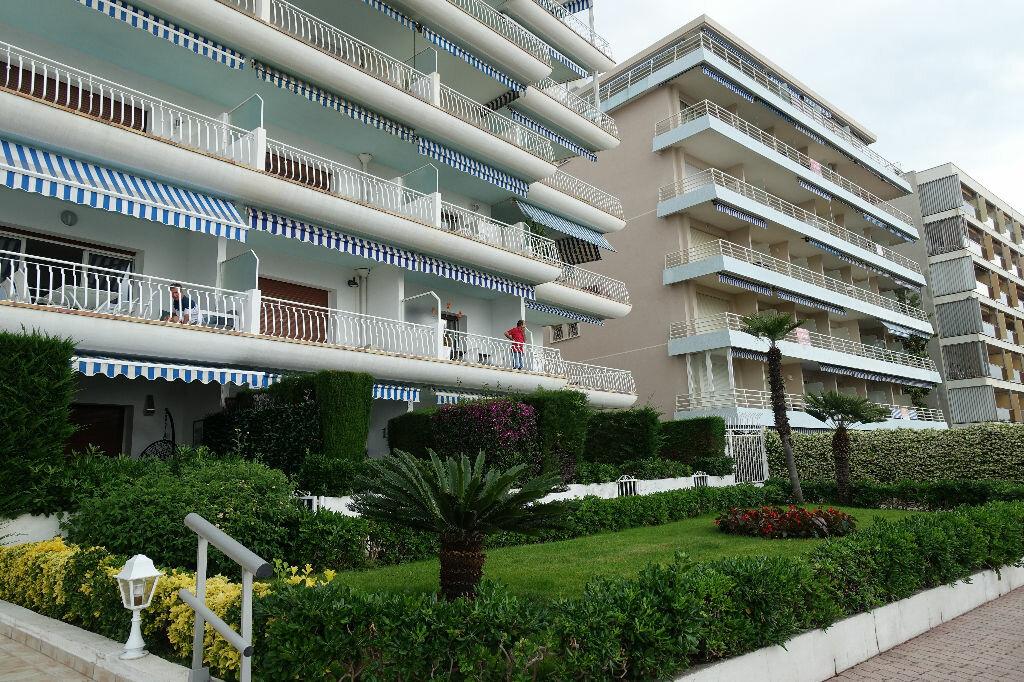 Appartement à louer 2 40.16m2 à Golfe Juan - Vallauris vignette-3