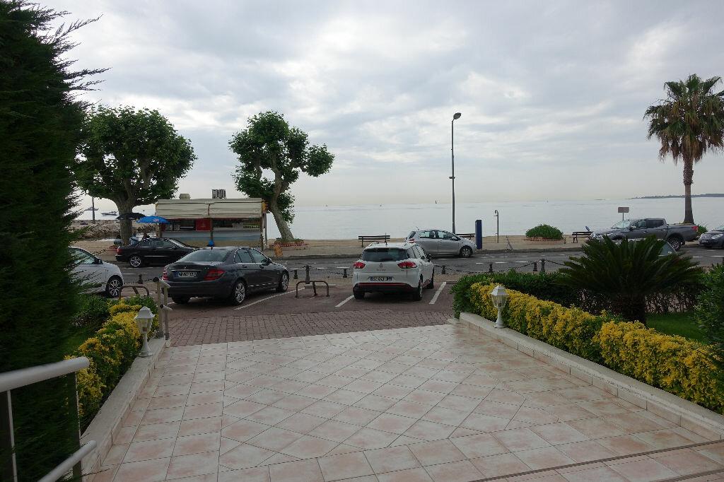 Appartement à louer 2 40.16m2 à Golfe Juan - Vallauris vignette-6