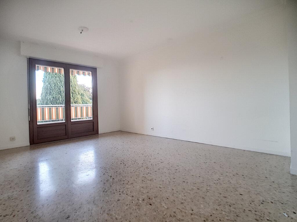 Appartement à louer 1 29m2 à Le Cannet vignette-1