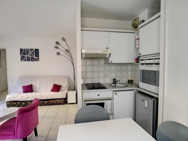 Appartement à louer 1 27m2 à Cannes vignette-3