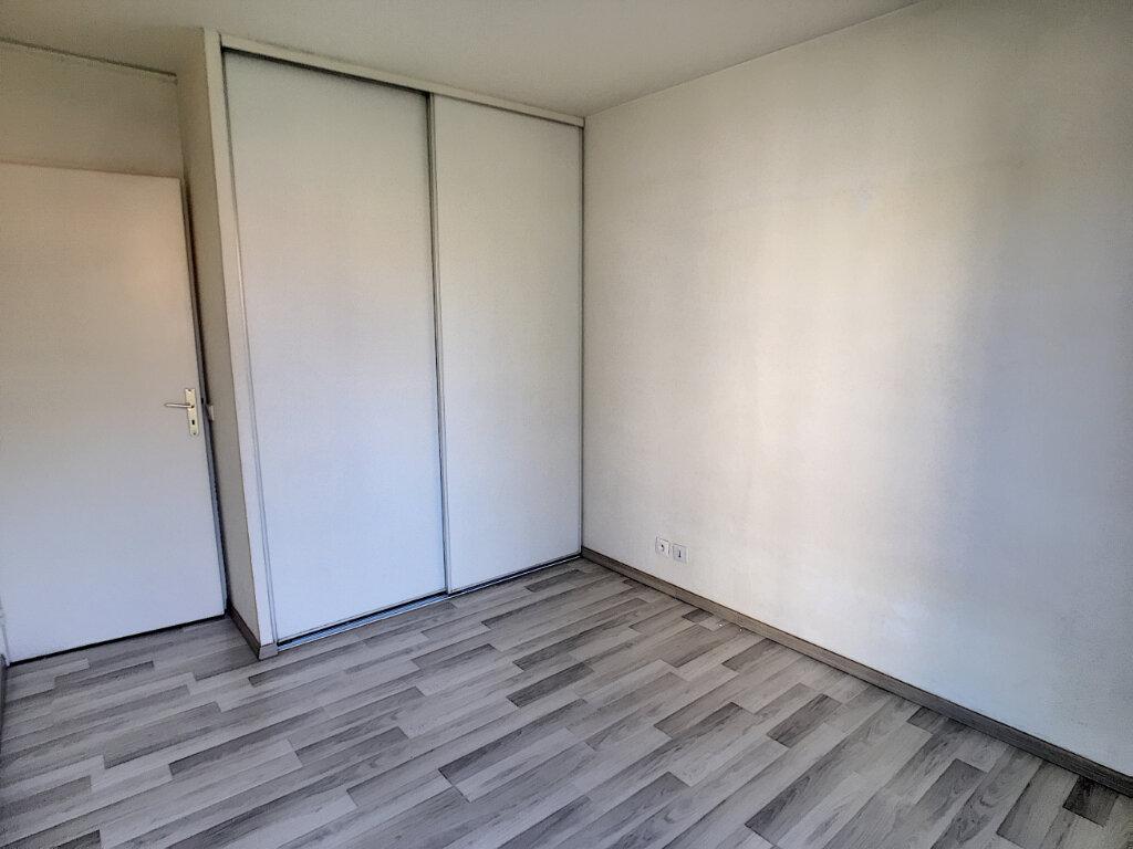 Appartement à louer 2 46.71m2 à Cannes vignette-3