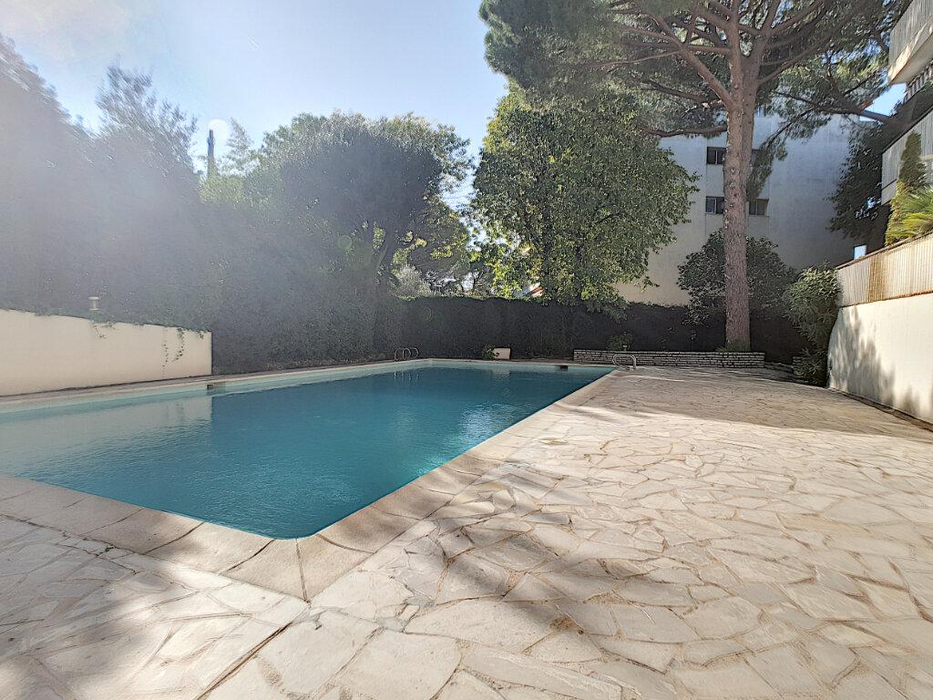 Appartement à vendre 3 66.81m2 à Cannes vignette-3
