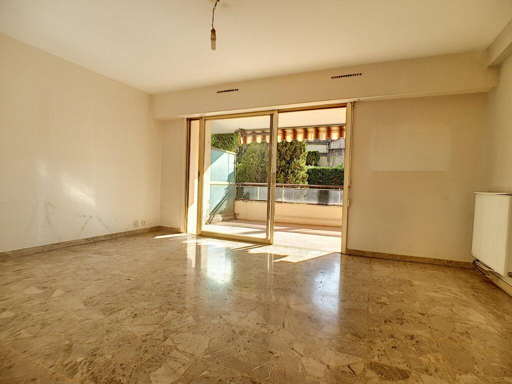 Appartement à vendre 3 66.81m2 à Cannes vignette-5