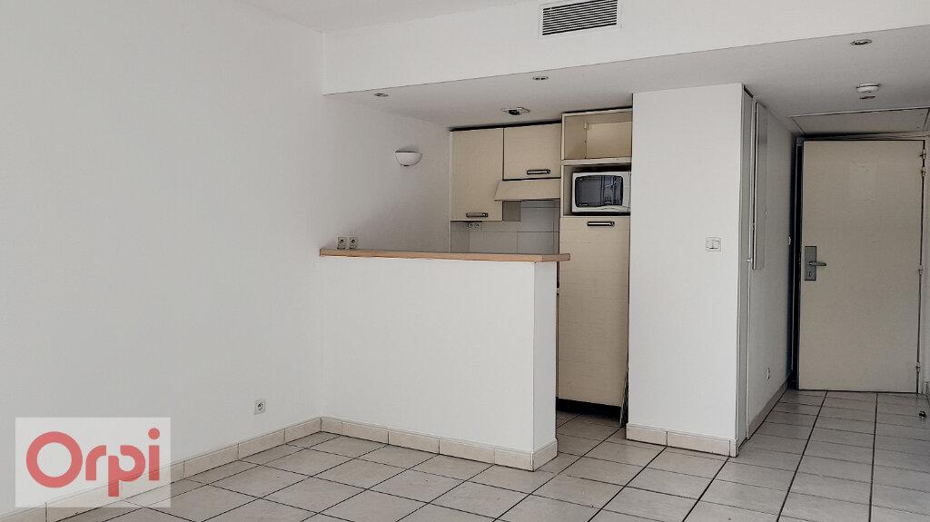 Appartement à louer 2 36.5m2 à Cannes vignette-2