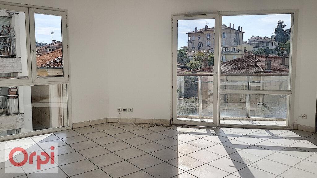 Appartement à louer 2 41m2 à Cannes vignette-1