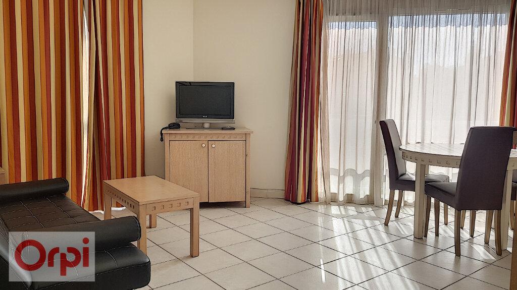 Appartement à louer 2 41m2 à Cannes vignette-8