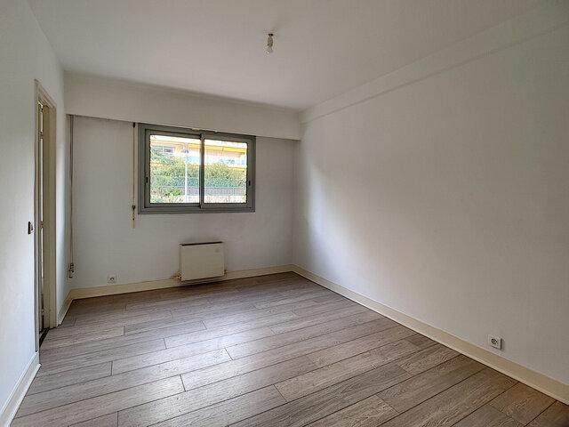 Appartement à louer 2 55.52m2 à Cannes vignette-5