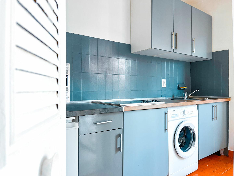 Appartement à louer 1 28m2 à Cannes vignette-2