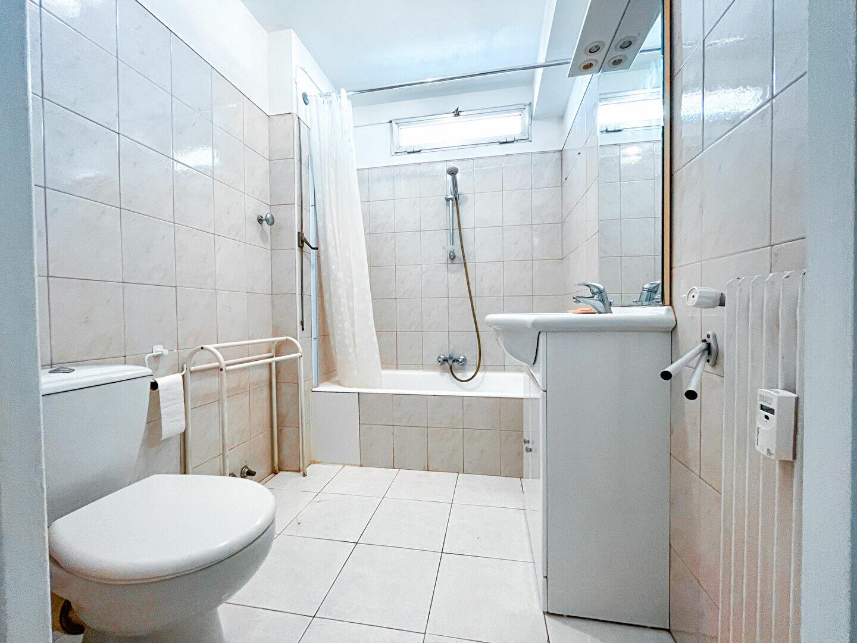 Appartement à louer 1 28m2 à Cannes vignette-3
