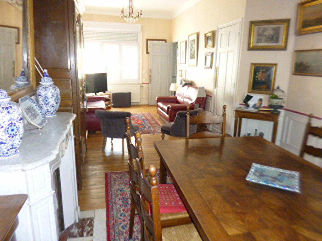 Maison à vendre 6 153m2 à Saint-Quentin vignette-1