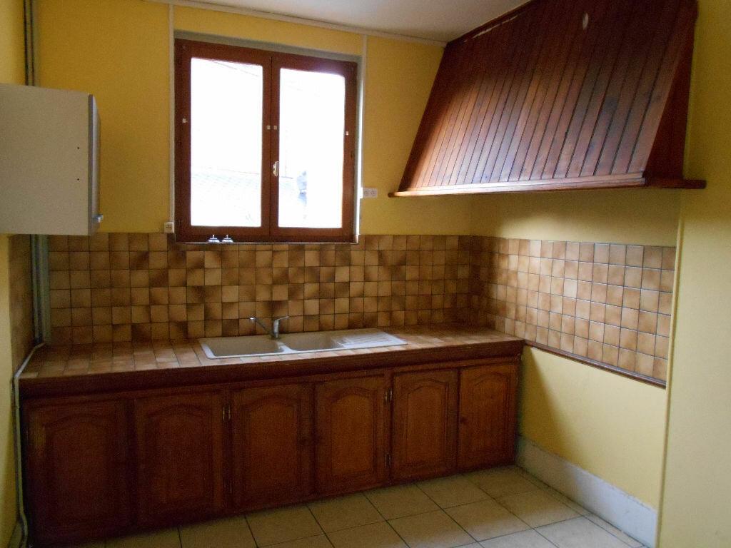 Appartement à louer 5 110m2 à Chauny vignette-2