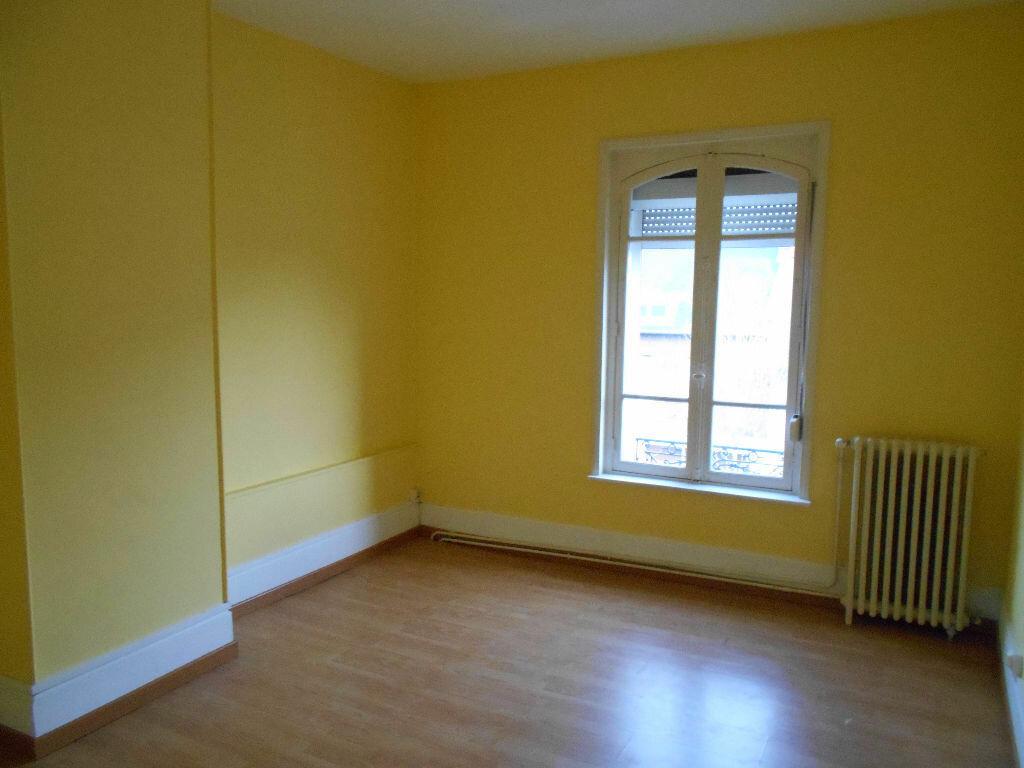Appartement à louer 5 110m2 à Chauny vignette-4