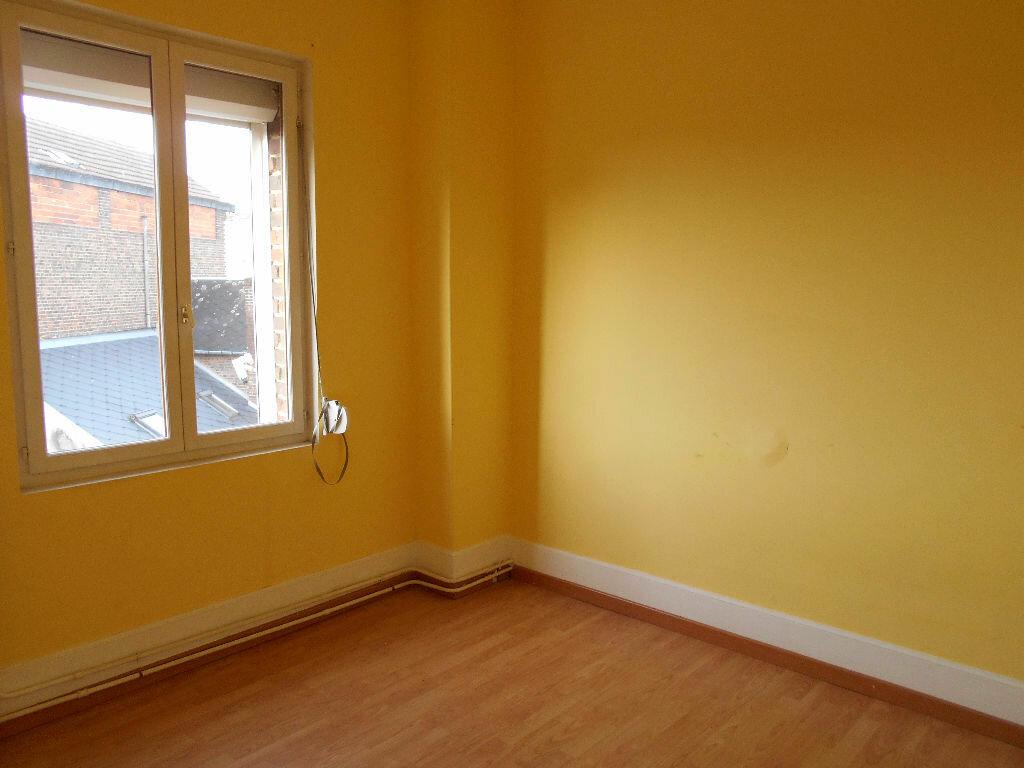 Appartement à louer 5 110m2 à Chauny vignette-7