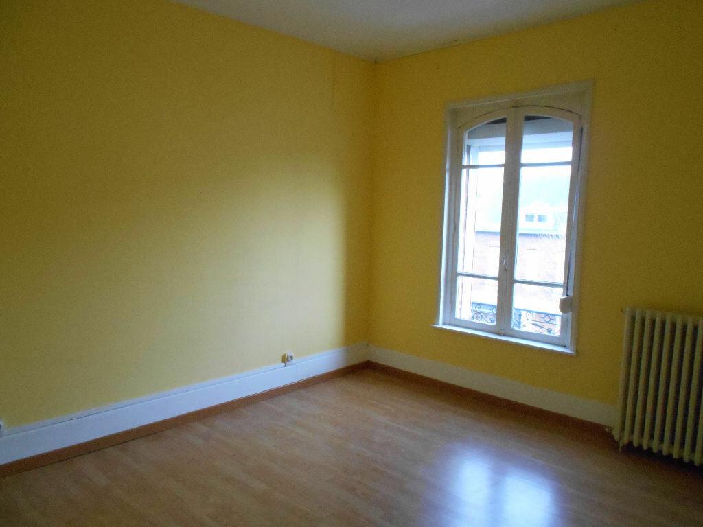 Appartement à louer 5 110m2 à Chauny vignette-8