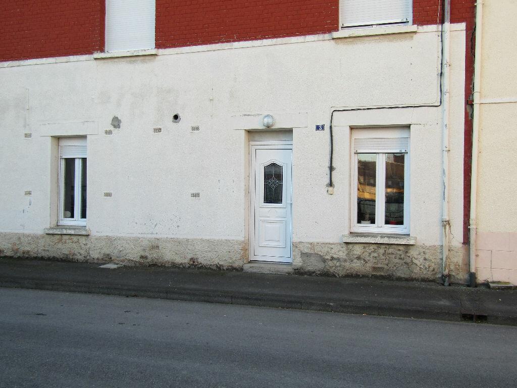 Appartement à louer 3 54m2 à Chauny vignette-1