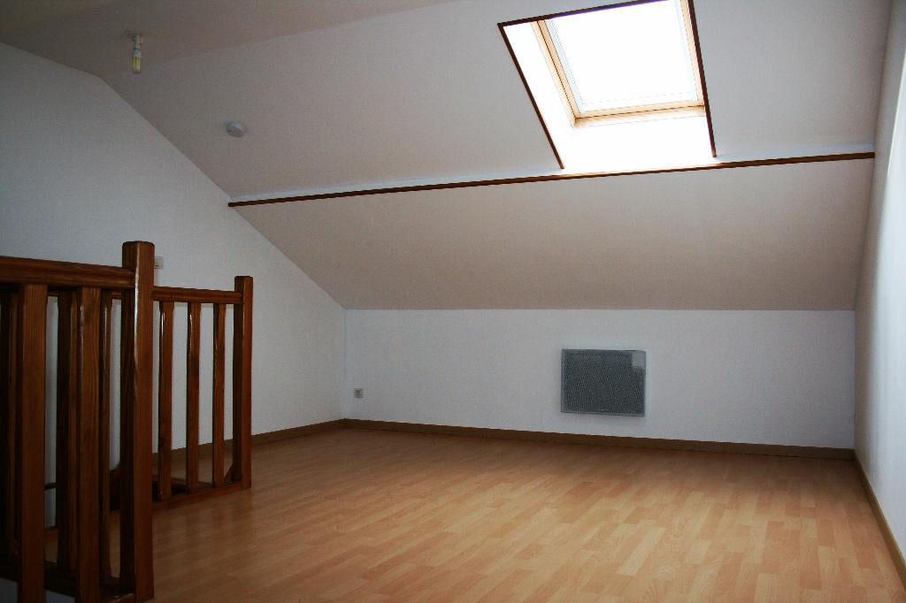 Maison à louer 4 80m2 à Chauny vignette-6