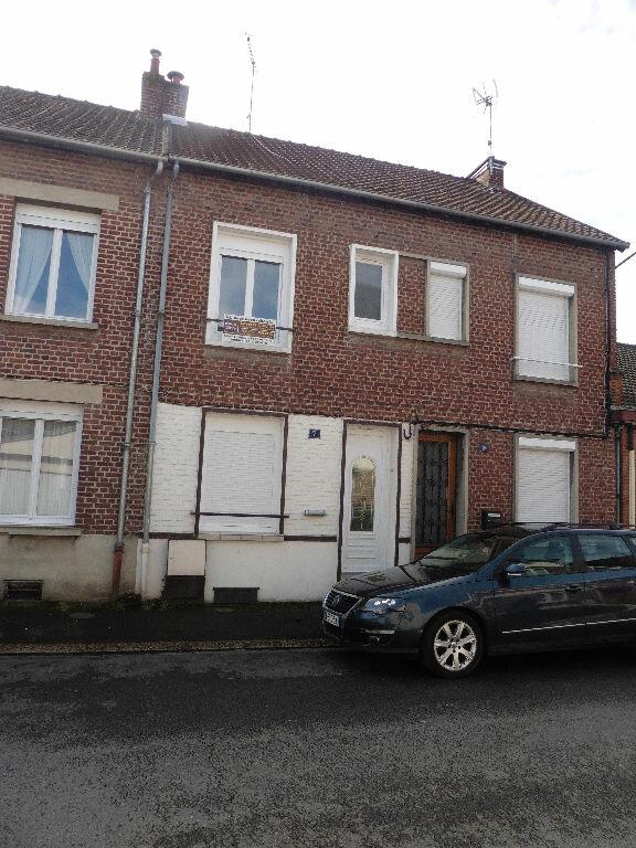 Maison à louer 3 55m2 à Tergnier vignette-1