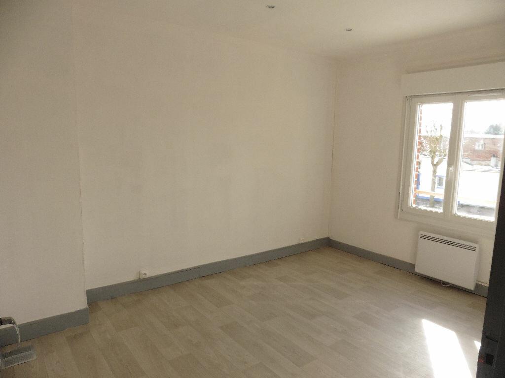 Maison à louer 3 55m2 à Tergnier vignette-5