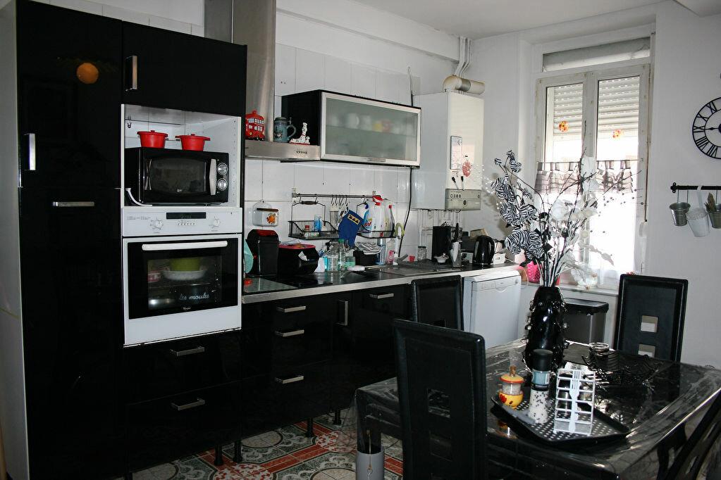 Maison à vendre 6 122m2 à La Fère vignette-3