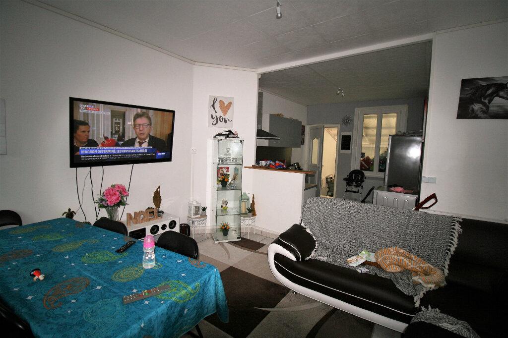 Maison à vendre 4 99m2 à Tergnier vignette-2
