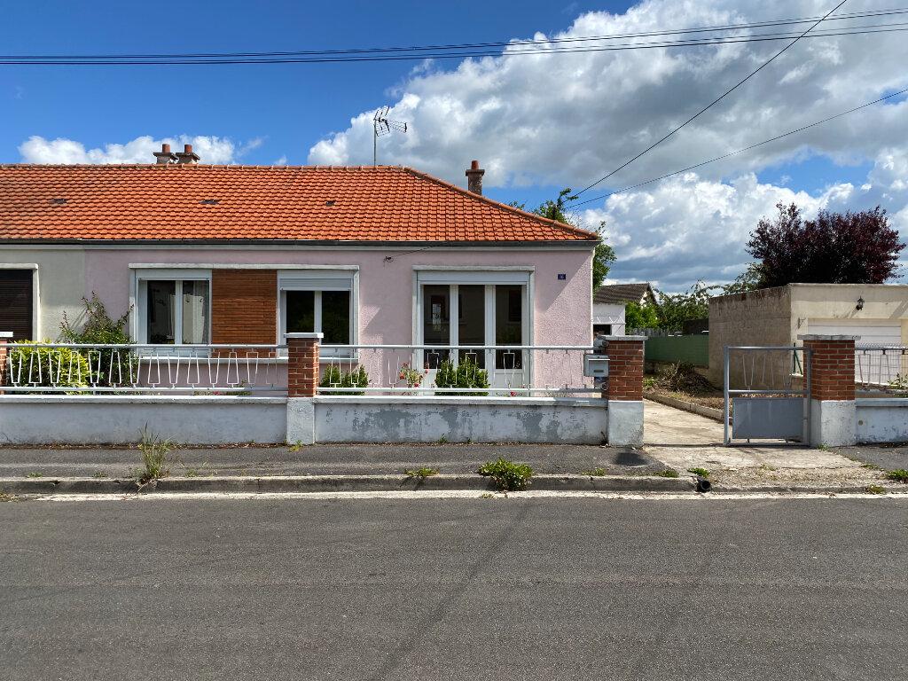 Maison à vendre 3 70m2 à Tergnier vignette-1