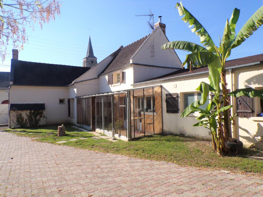 Maison à vendre 8 200m2 à Crépy vignette-1