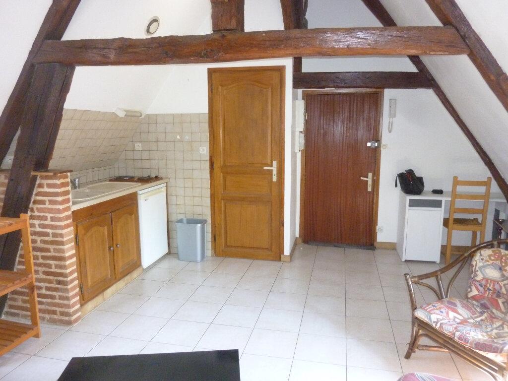 Appartement à louer 1 15.51m2 à Laon vignette-3