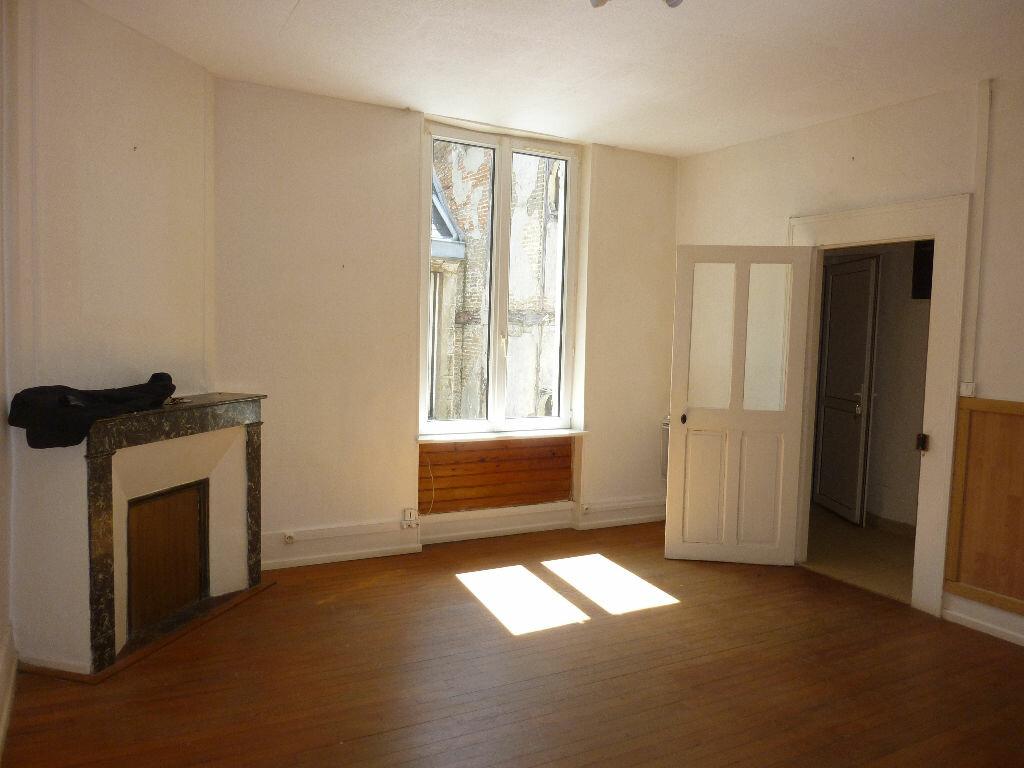 Appartement à louer 2 43m2 à Laon vignette-1