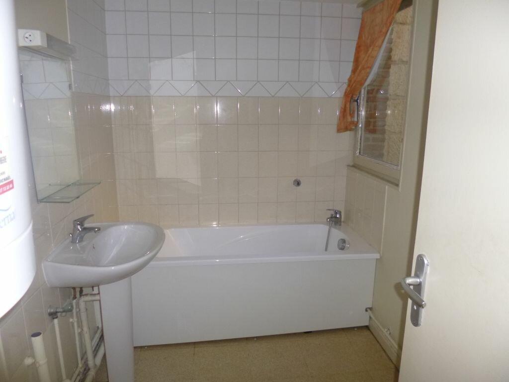 Appartement à louer 1 29m2 à Laon vignette-2