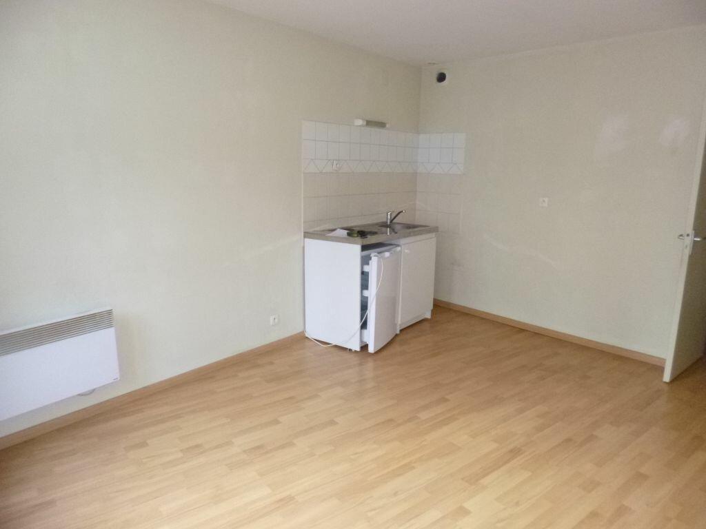 Appartement à louer 1 29m2 à Laon vignette-4