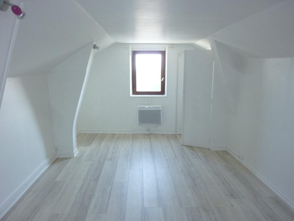 Appartement à louer 2 37m2 à Laon vignette-1