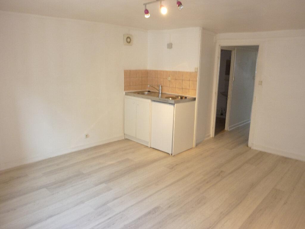 Appartement à louer 2 37m2 à Laon vignette-3