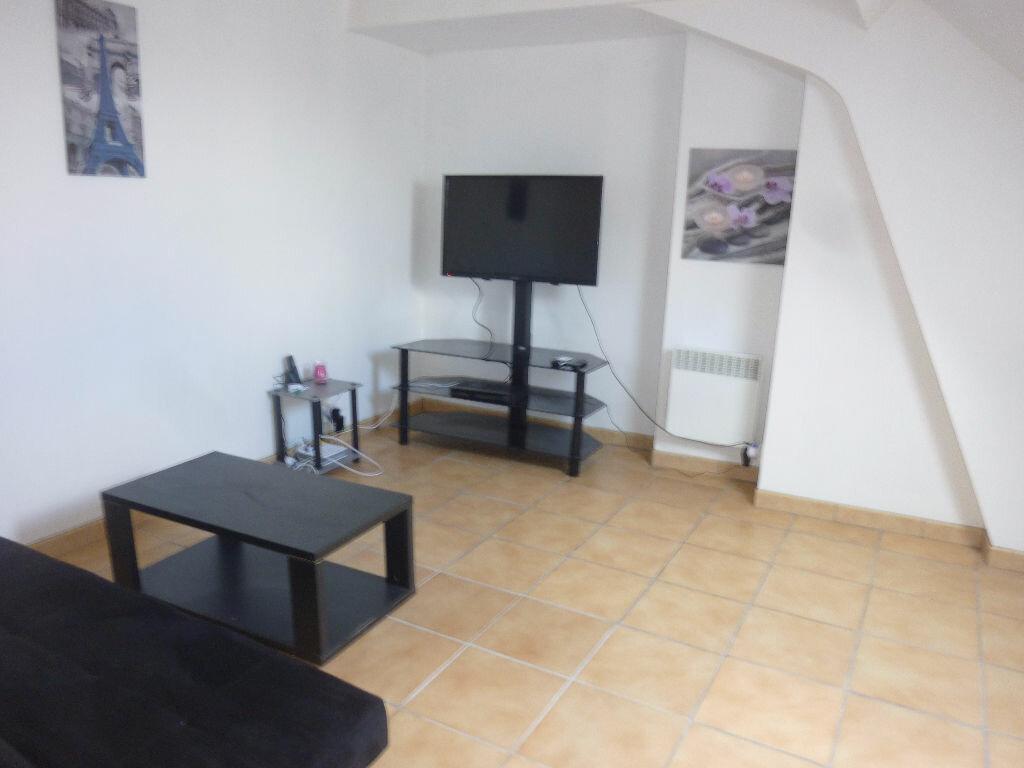 Appartement à louer 2 22m2 à Laon vignette-1