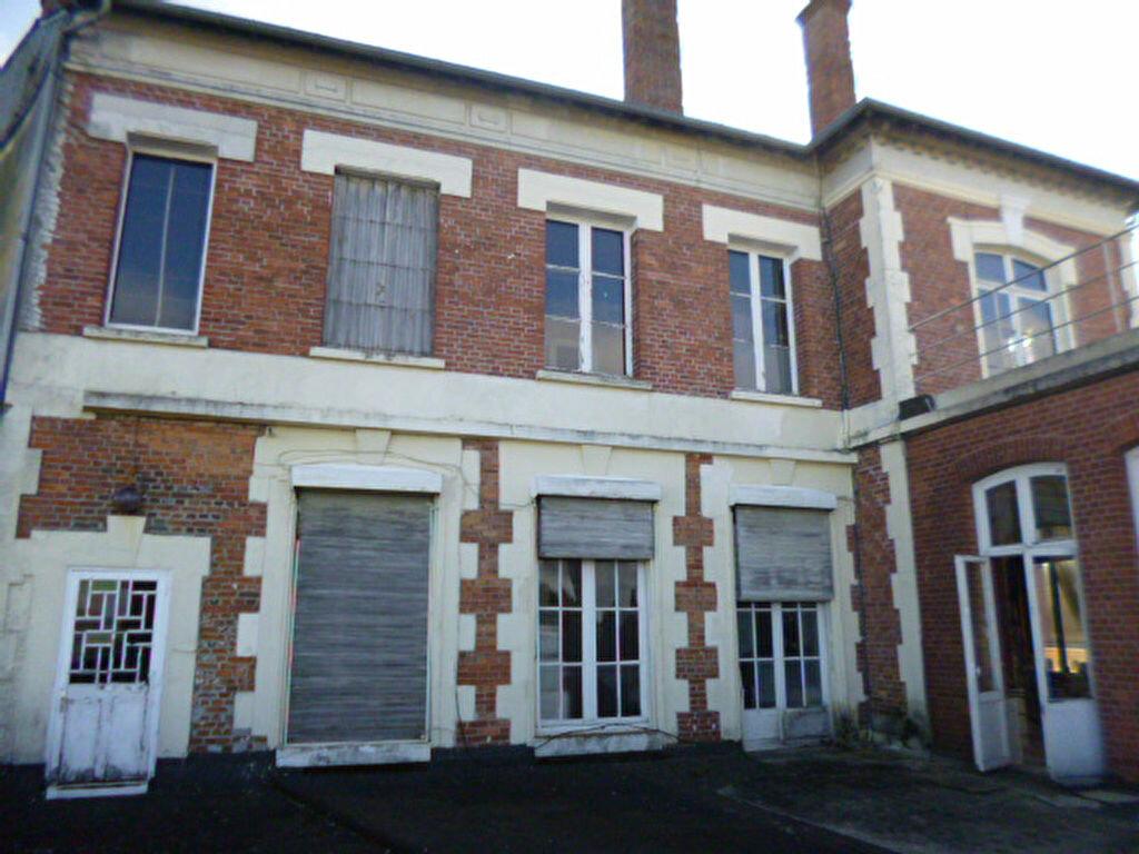 Immeuble à vendre 0 400m2 à Laon vignette-2
