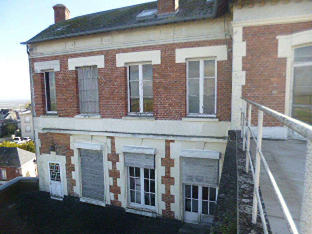 Immeuble à vendre 0 400m2 à Laon vignette-4