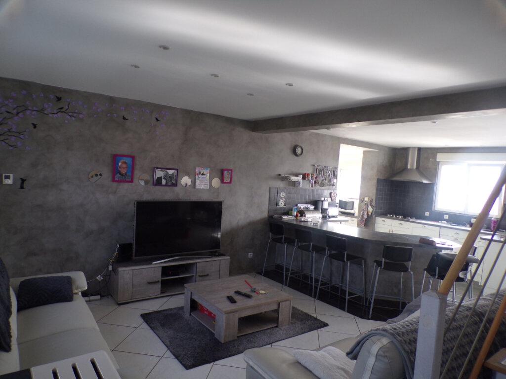 Maison à vendre 6 185m2 à Chavignon vignette-2