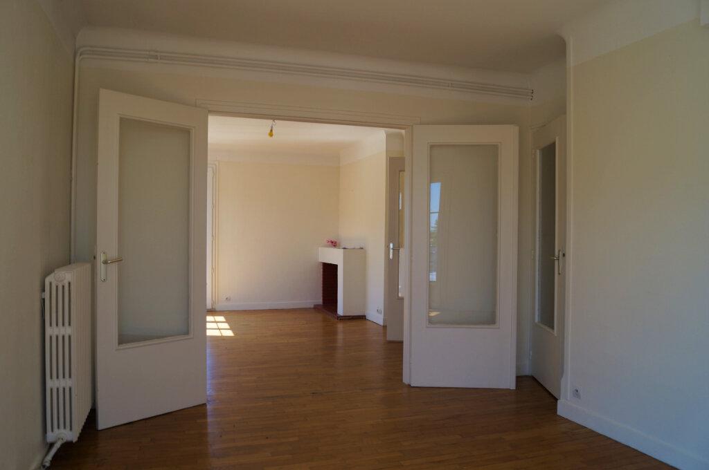 Appartement à vendre 4 80m2 à Laon vignette-3