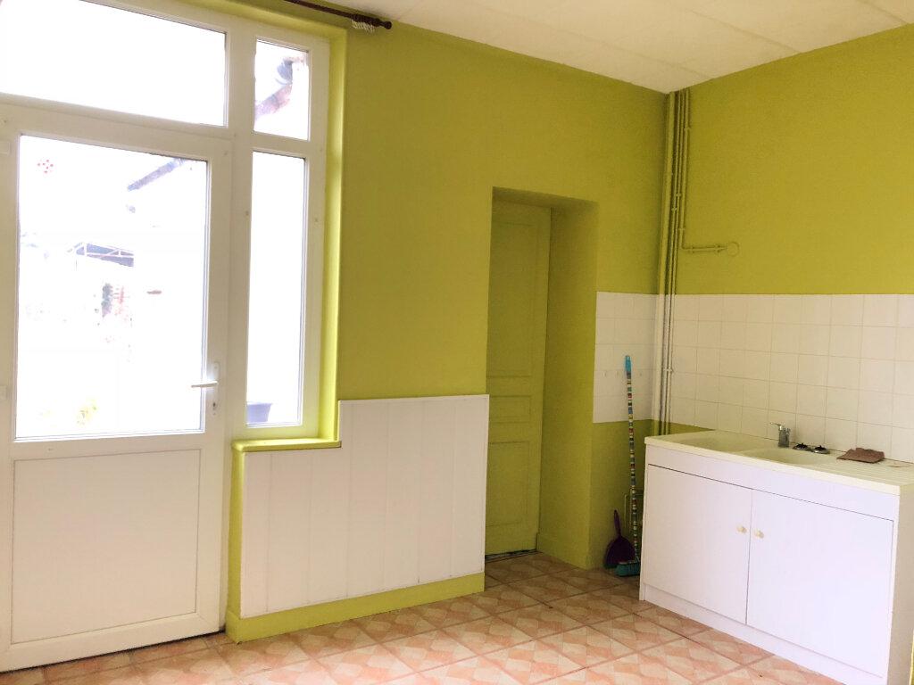 Maison à vendre 3 65m2 à Saint-Erme-Outre-et-Ramecourt vignette-3