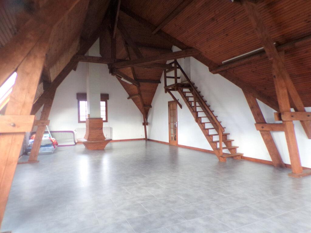 Maison à vendre 8 300m2 à Crépy vignette-6