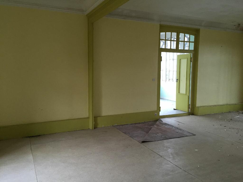 Maison à vendre 10 250m2 à Crépy vignette-6