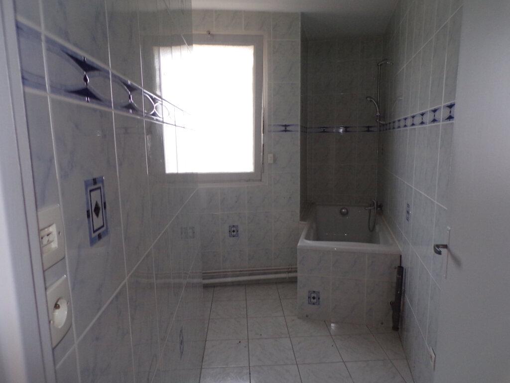 Appartement à vendre 4 69m2 à Laon vignette-3