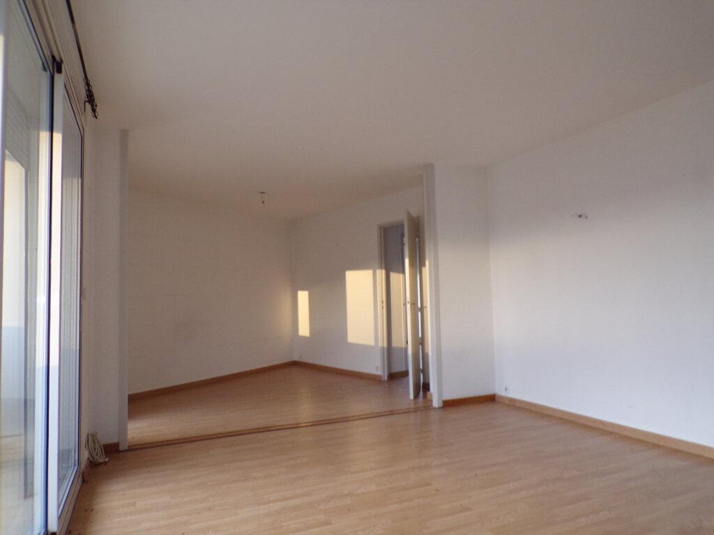 Appartement à vendre 4 69m2 à Laon vignette-4