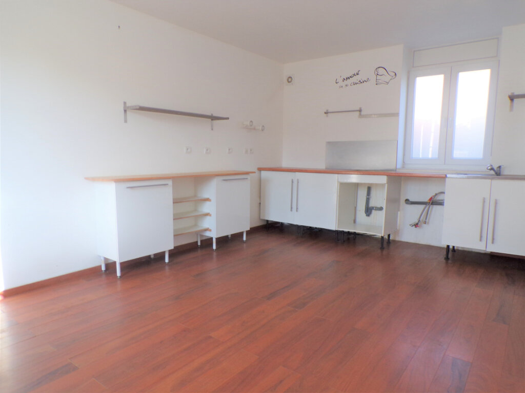 Maison à vendre 6 130m2 à Coucy-lès-Eppes vignette-3